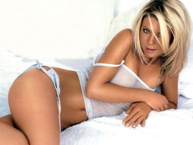 tara-reid-wallpapers-3
